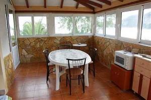 Küche des Zwei-Zimmer-Appartements Sofia auf Korfu
